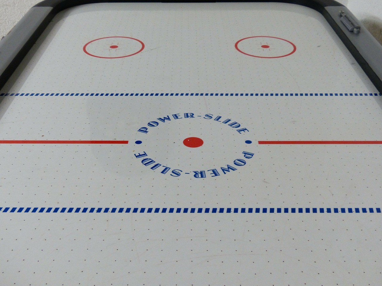 10 Fun Facts about Air Hockey