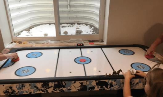 Harvil 5 ft long air hockey table